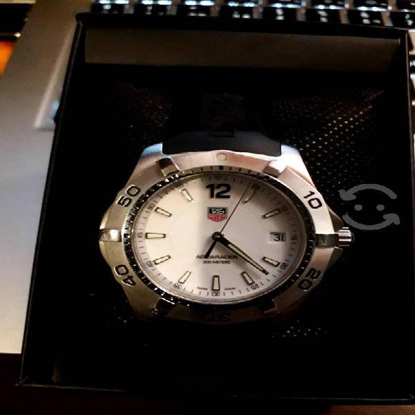 Reloj Para caballero TAGHEUER modelo Aquaracer300