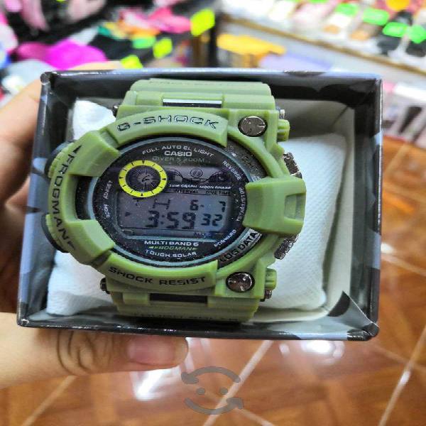 Reloj para caballero verde militar