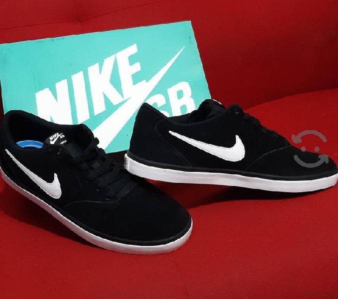Tenis Nike Hombre No. 30 Nuevos.