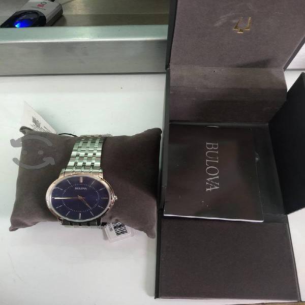 V/C Reloj Bulova modelo 96A188 seminuevo en caja