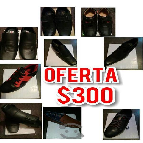 variedad de tenis y zapatos/En venta
