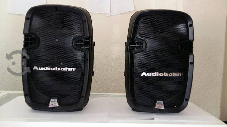 Par de Bocinas recargables Audiobahn