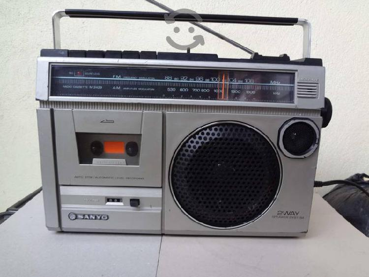 RADIO GRABADORA SANYO M 2429 JAPAN AM/FM CASSETT