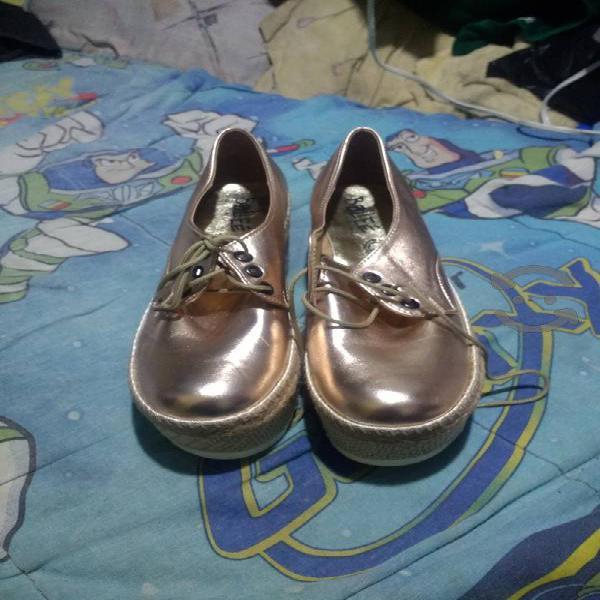 Tenis y zapatos, huaraches para todos