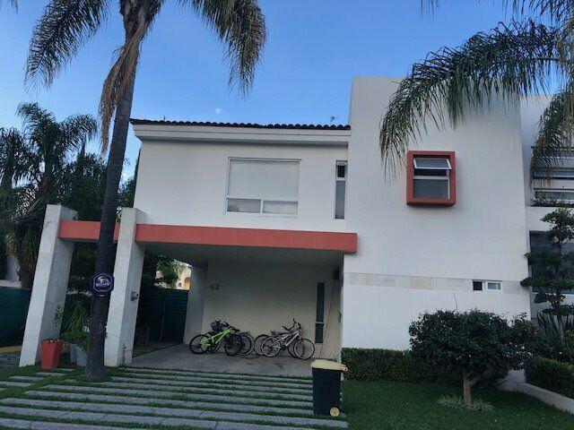 Casa en Venta en Valle Real 8,950,000