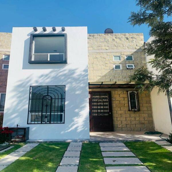 Venta de casa en fraccionamiento Ex Hacienda del Angel