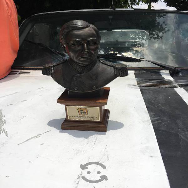 Figura de bronce de Ignacio i Madero