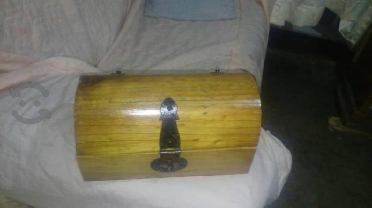 baúl chico de madera
