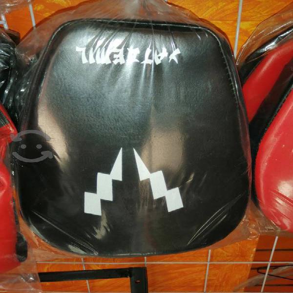 cachagolpes o manoplas para box o artes marciales