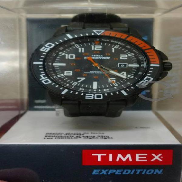 reloj TIMEX análogo