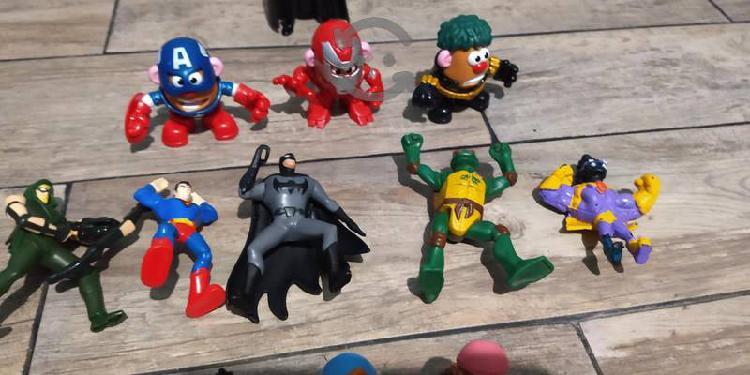 Lote de muñecos de colección