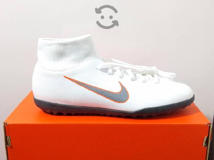 Tenis Para Fútbol Nike Superfly Talla 28 Blanco