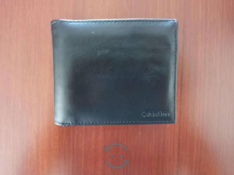 Cartera Calvin Klein negra