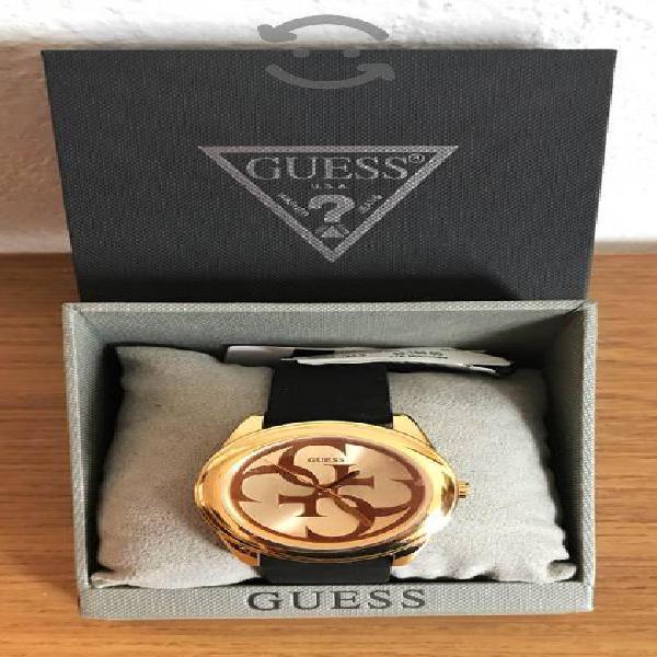 Reloj Guess GTWIST