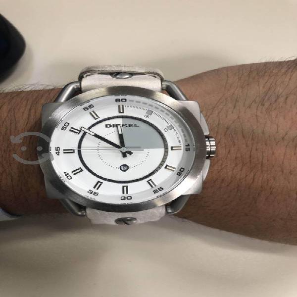 Reloj para caballero Diesel DZ1577 blanco acero