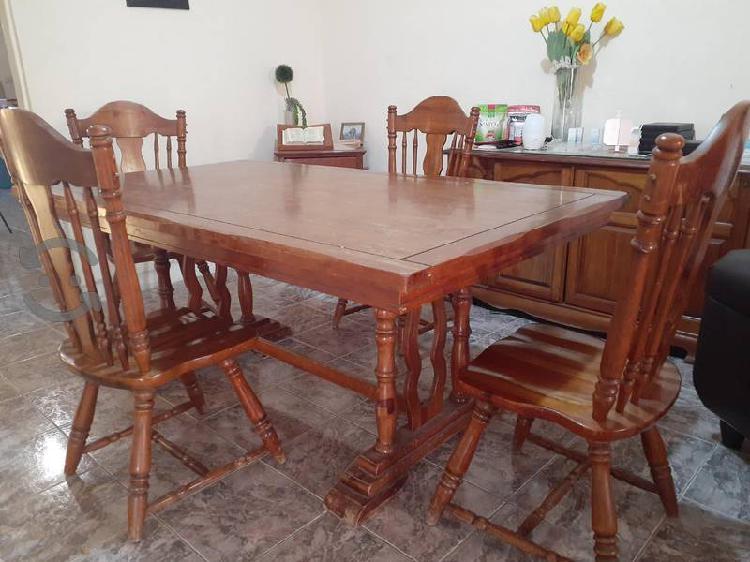Comedor de caoba de 6 sillas, vitrina y bufetera