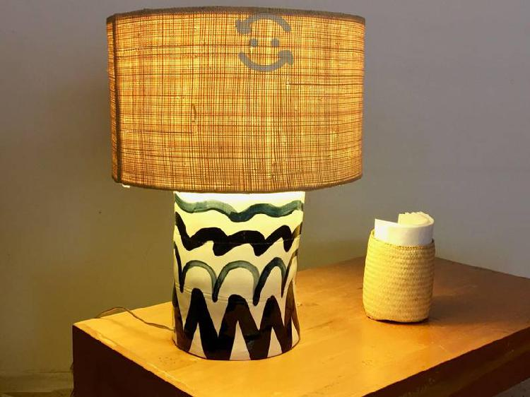 Lámpara de mesa base de cerámica