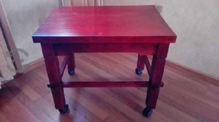 Mesa fuerte para televisión de madera sólida