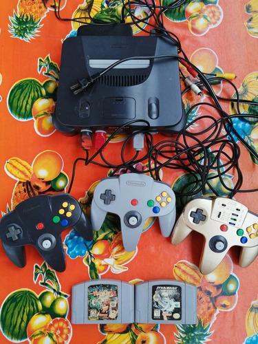 Nintendo 64 Con 3 Controles En Excelente Estado