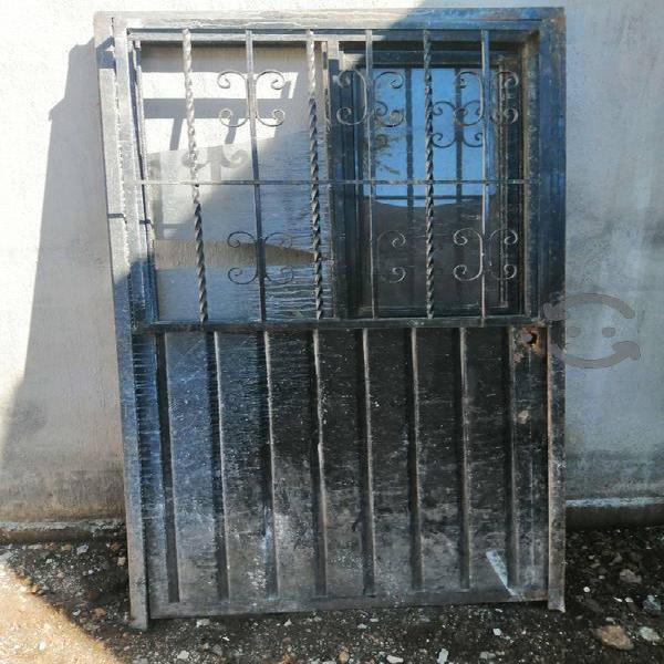 Puerta de fierro