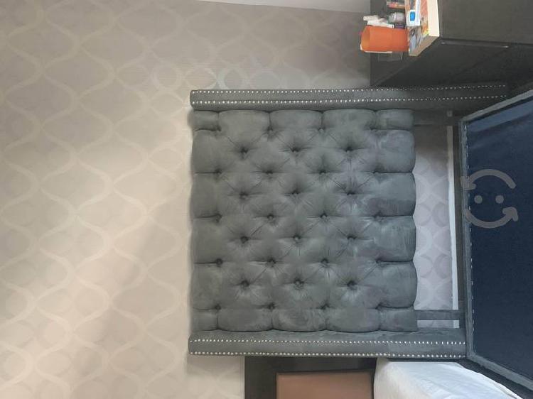 Se vende base y respaldo cama individual