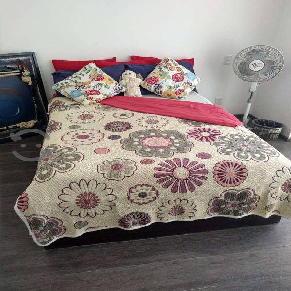 Vendo base de madera para cama matrimonial