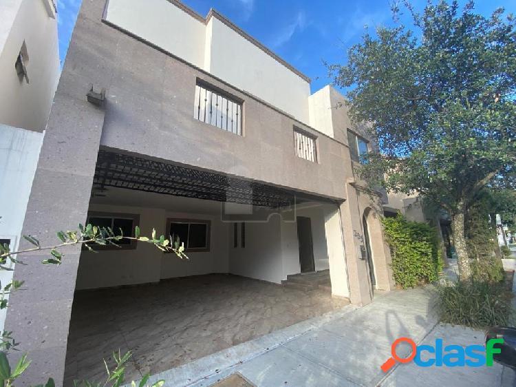 Casa sola en renta en Bosques de las Cumbres, Monterrey,