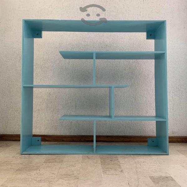 Juguetero/ librero de madera
