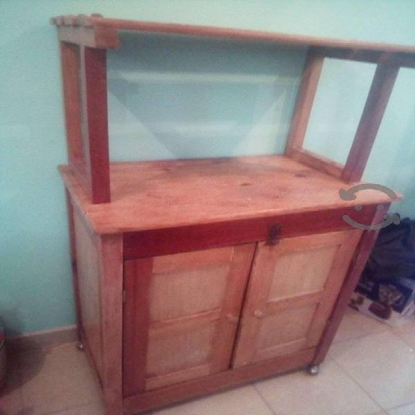 Mueble de madera para despensa