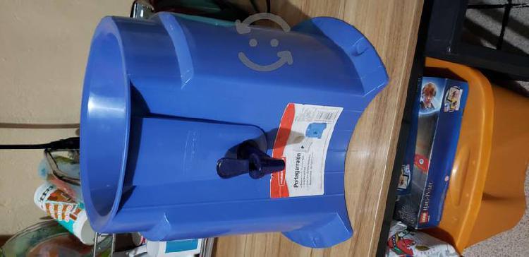 Portagarrafón rubbermaid dispensador de agua