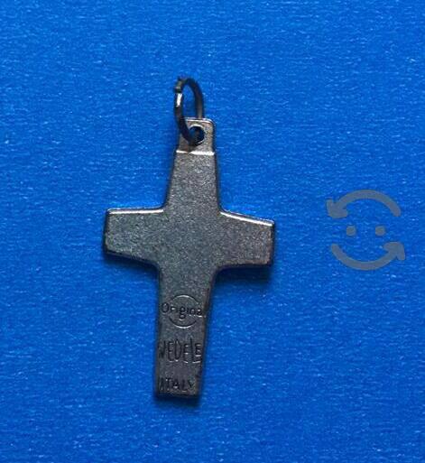 Cruz de plata del buen pastor