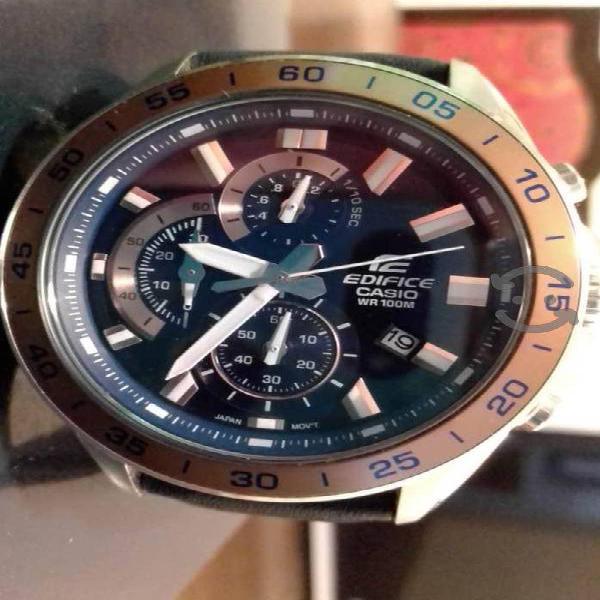 Reloj Casio Edifice como nuevo, con manuales