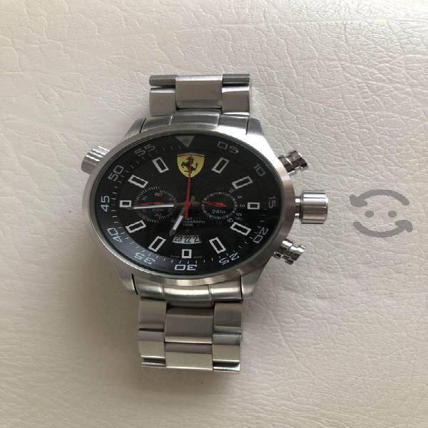 Reloj Ferrari suizo, cristal zafiro