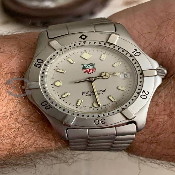 Reloj Tag Heuer modelo Professional WE1111