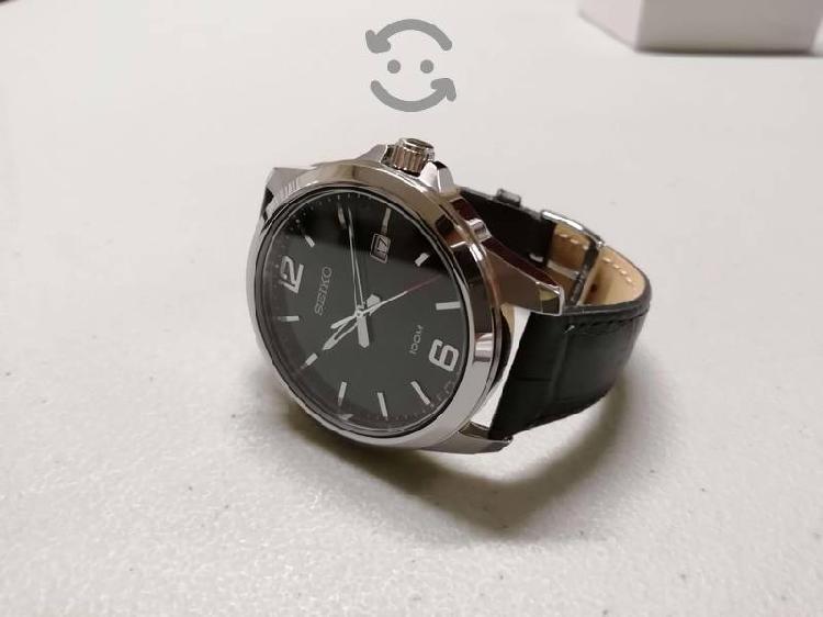 Reloj de vestir Seiko de cuarzo japonés SUR251P1