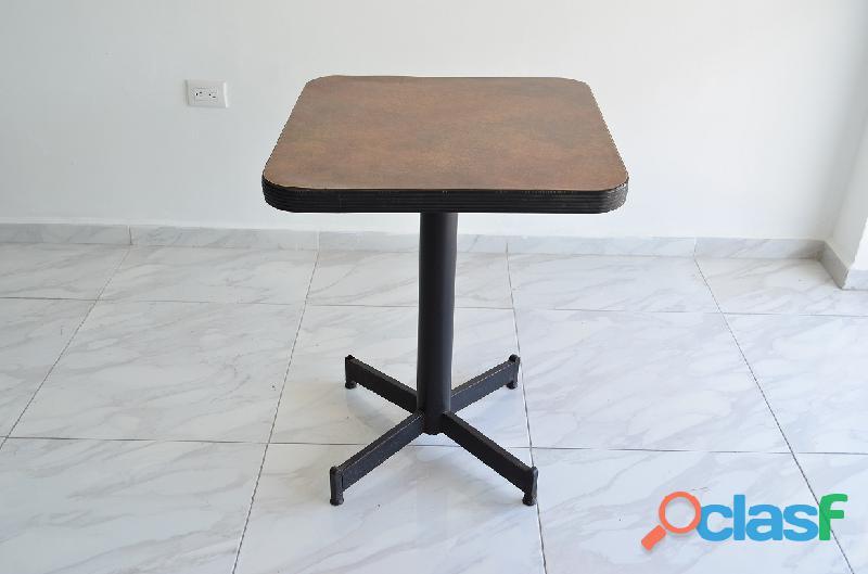 Se vende mesa cuadrada