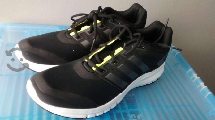 Tenis Adidas running talla 29 cm