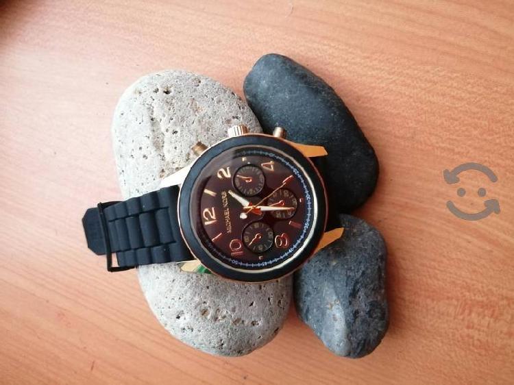 bonito reloj de caballero
