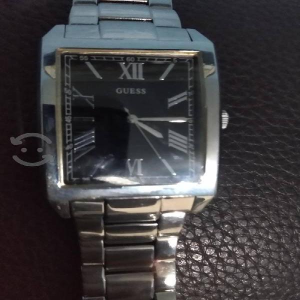 reloj Guess cuadrado
