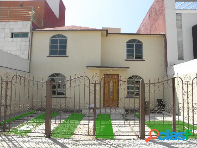 Se renta bonita casa en la Moraleja en Pachuca.