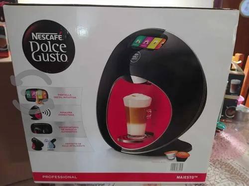 Cafetera Dolce Gusto Majesto 1.8 Litros