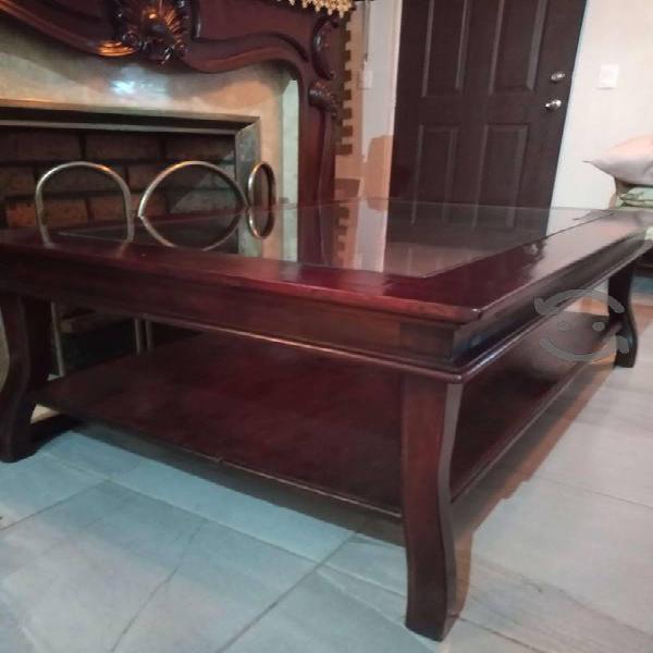 Hermosa mesa de centro madera caoba