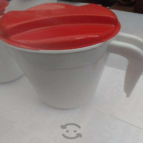 Jarras de plástico reforzado de 2 litros