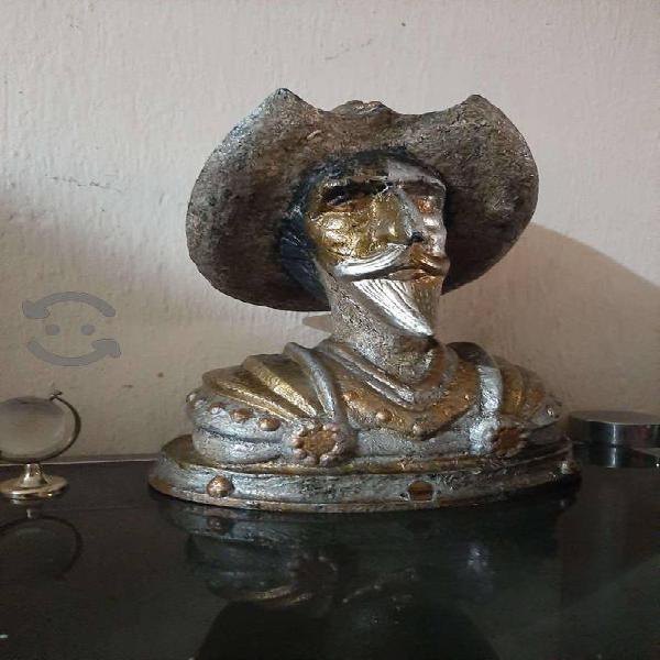 Muy bonito bulto del Quijote de la Mancha $450
