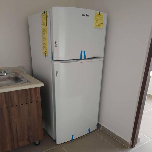 Refrigerador Mabe Nuevo 9 Pies