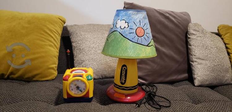 lampara infantil y reloj despertador marca crayola