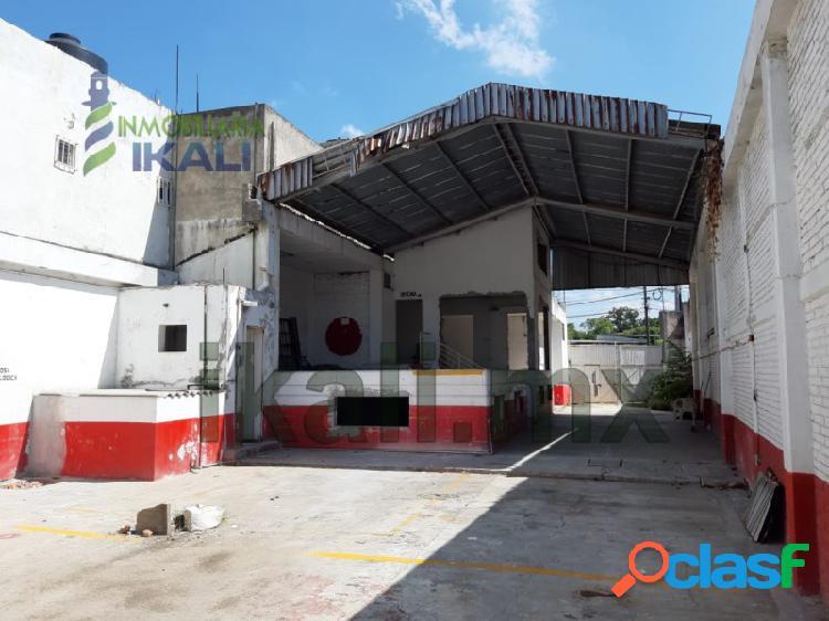 Renta bodega y local comercial Col. Agustín Lara poza rica