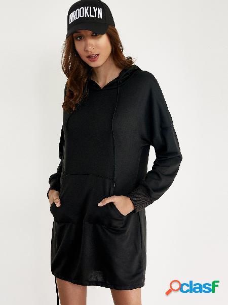 Mini vestido con capucha de gran tamaño negro