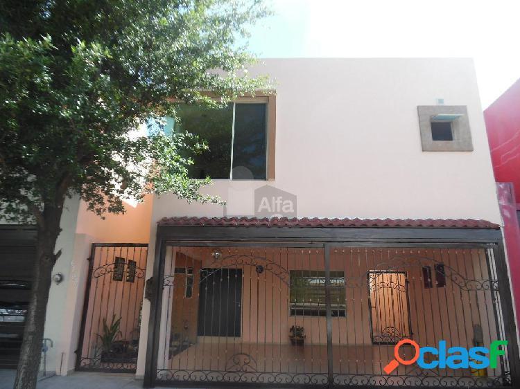 Casa en Renta en Monterrey Zona Cumbres Santa Clara Privada
