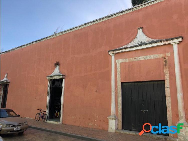 Casa colonial en el centro en venta